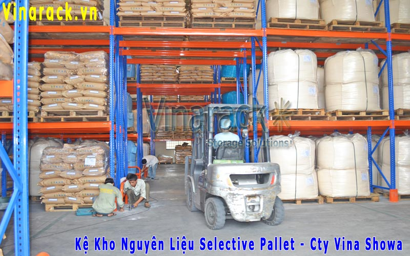Kệ selective pallet